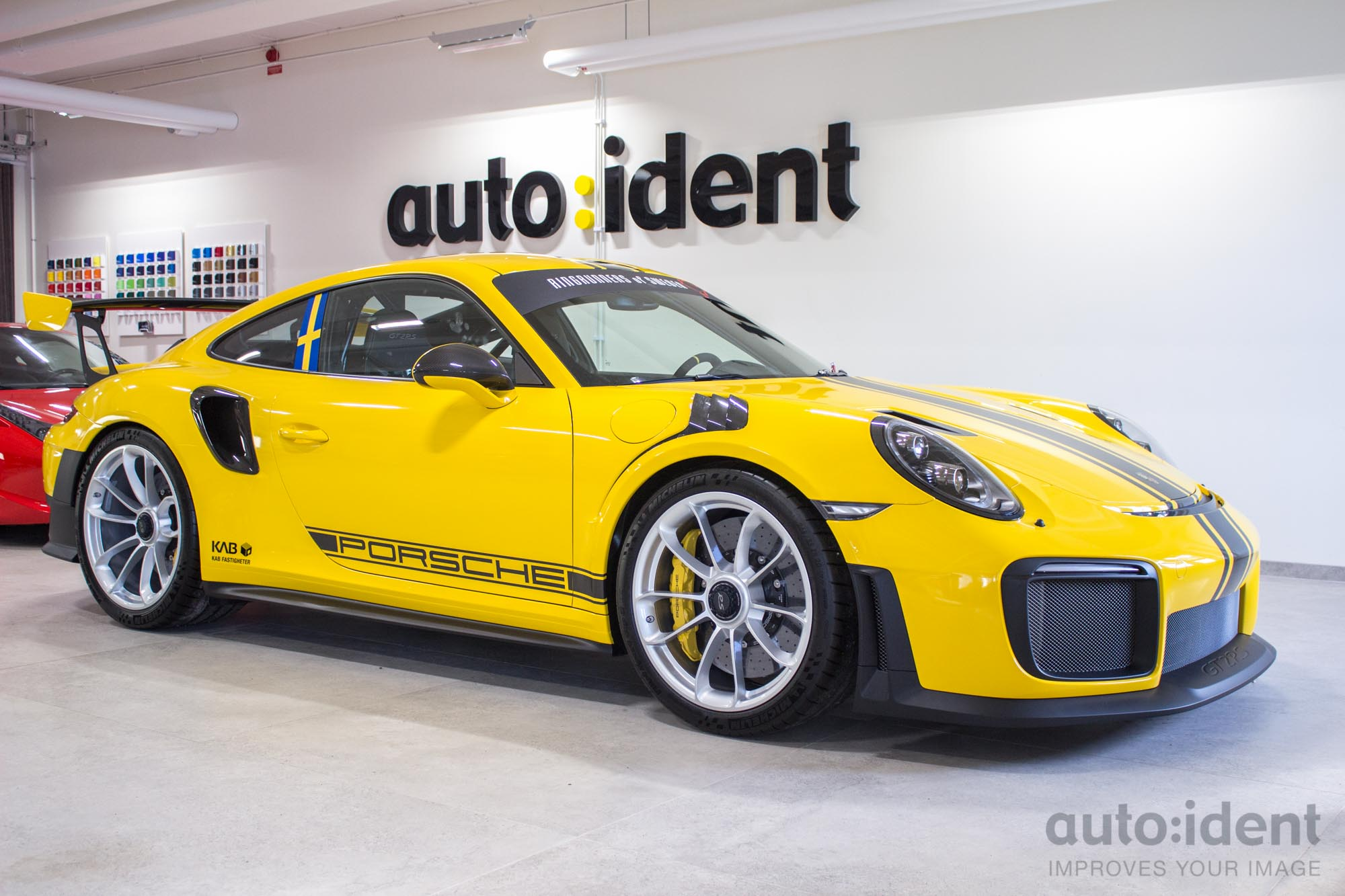 Porsche Gt Rs Yellow Carbonstripes Frontside